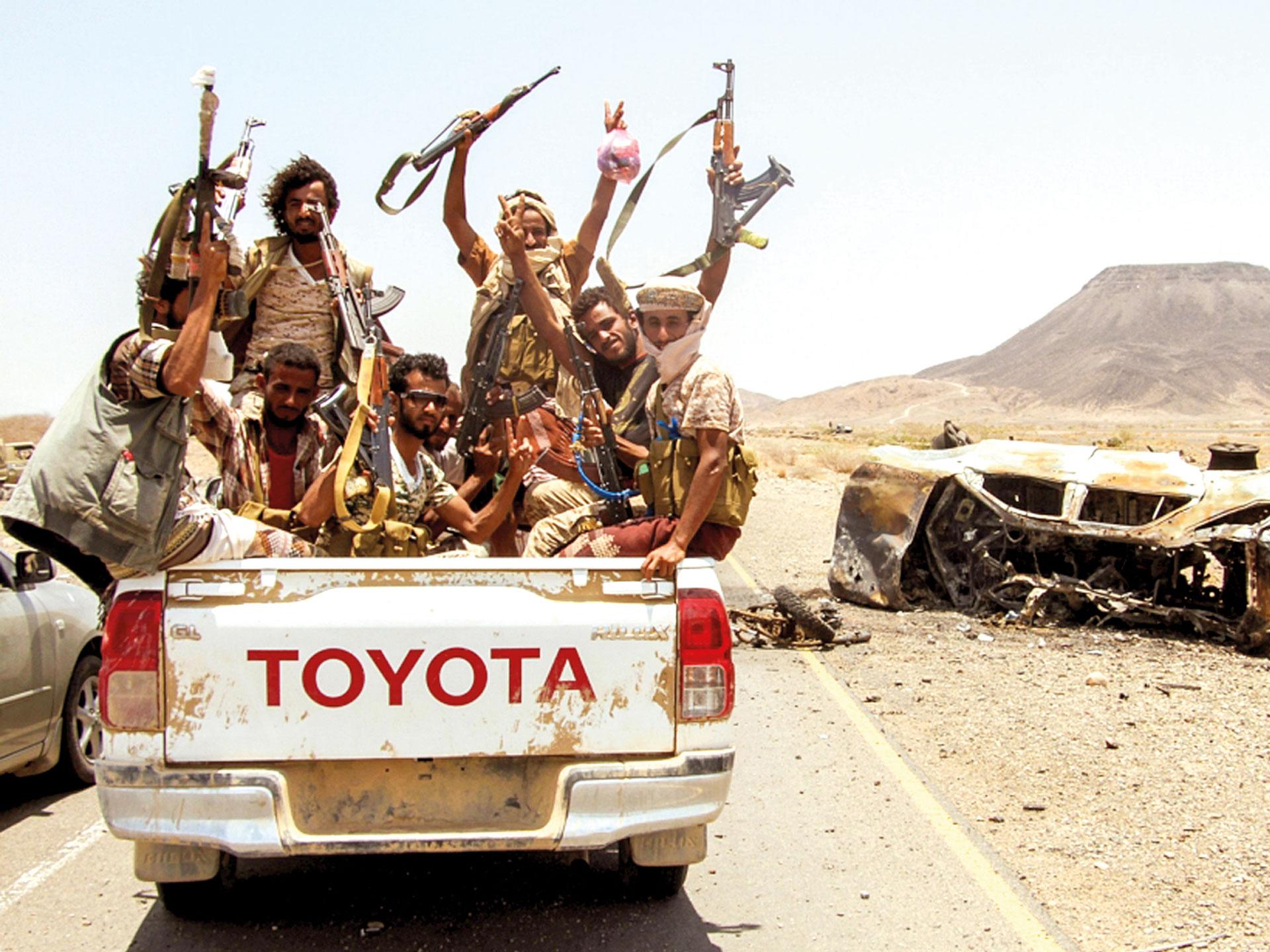 """قوات الجيش تعلن عن محاولة تقدم حوثية في """"الأقروض"""" بتعز"""